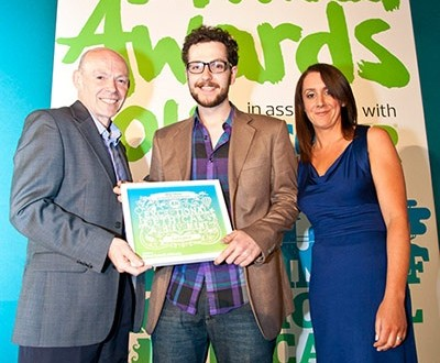 Dan Watson from SafetyNet receives the Big Idea award from Chris Murray